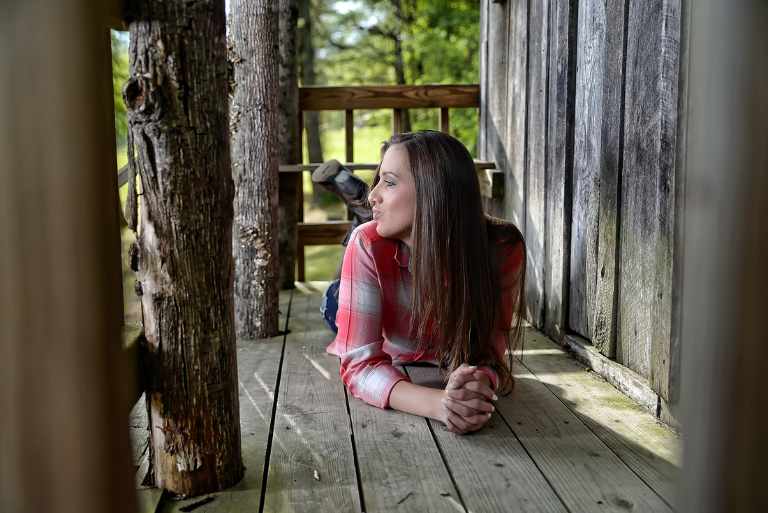 Danielle Roberts Senior Class of 2015 PCCHS Senior Pictures at Homeplace Clinic in Perry County Kentucky