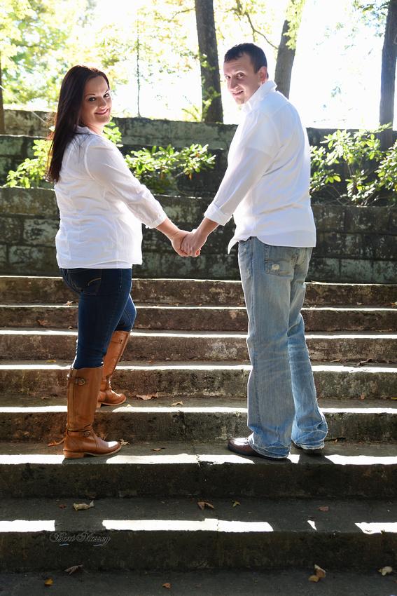 Turner Family Justin Leanna from Jackson Kentucky fall family couple photographs.