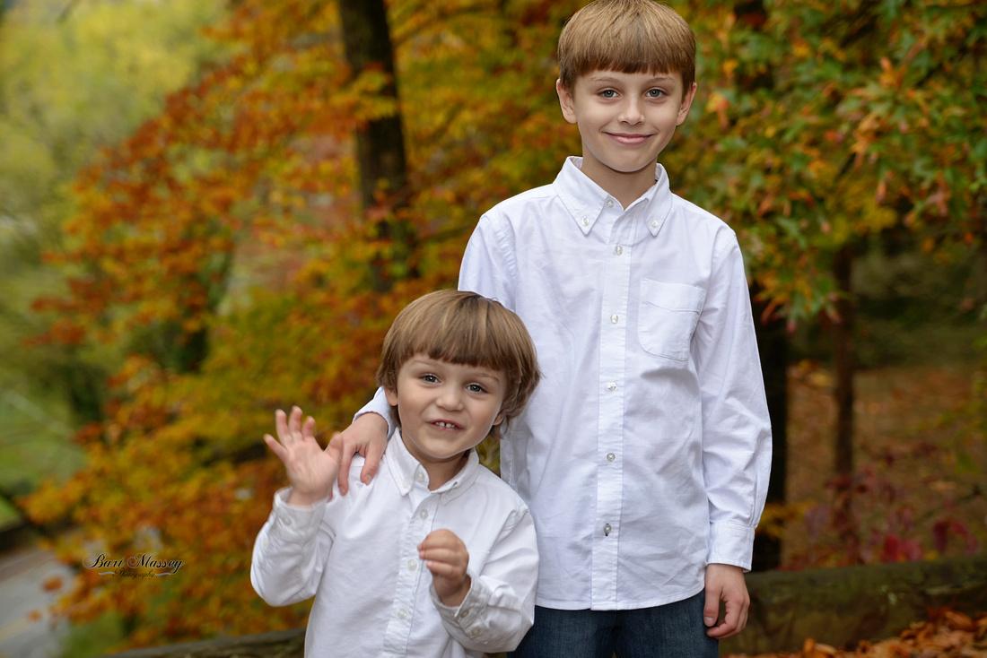 Bart Massey Photography Bobby Davis Park Hazard Kentucky the morgan family outdoor fall family photographs.