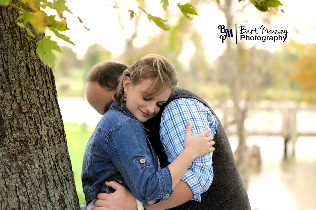 Engagement photos with John and Elizabeth at Jacobson Park in Lexington, Kentucky with the beautiful fall setting.