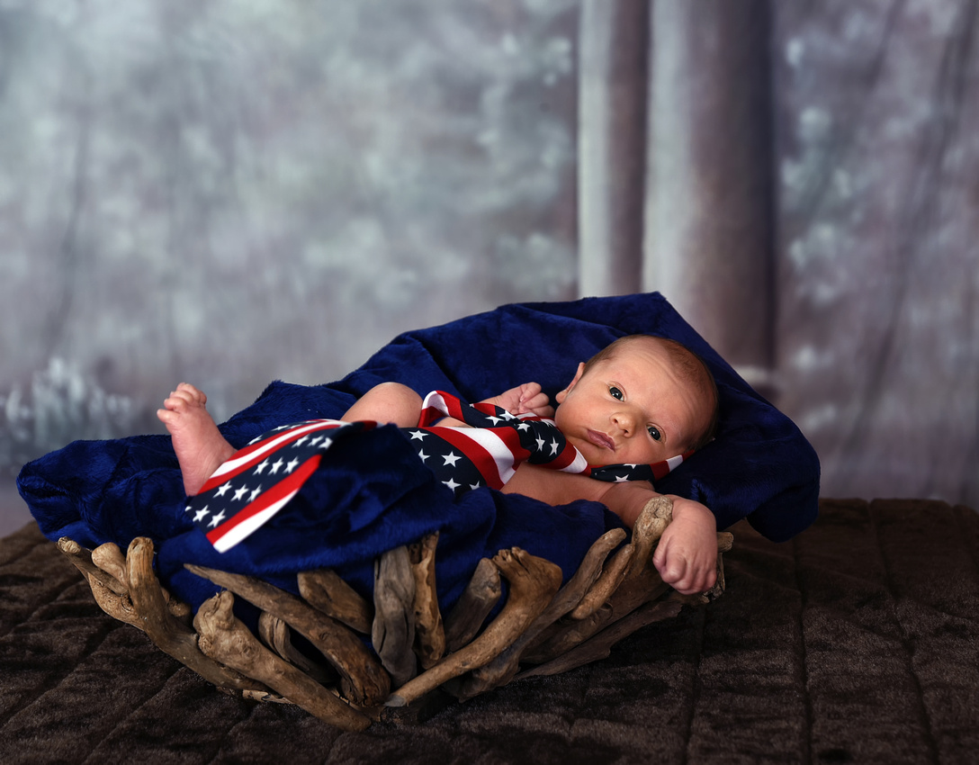 Cason Eversole, baby 1 week old Hazard, Viper Kentucky Bart Massey Photography.  Katie Eversole